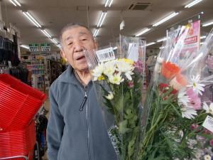 GH通所「久しぶりの生け花だよ」
