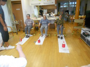 ライフケア「早く引き寄せ足の運動に」