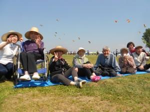 凧合戦「良い風が吹いてますよ」