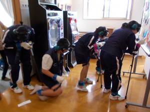 下田中学高齢者疑似体験「身体が重い…」