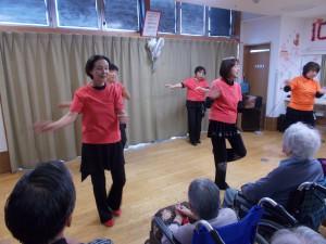慰問レクダンス「リズムに合わせて身体もうごきます!」